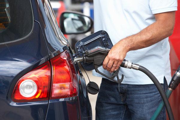 Крыму пообещали дешёвый бензин