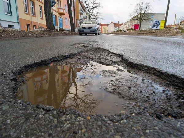 Немцы пожаловались на ямы на дорогах