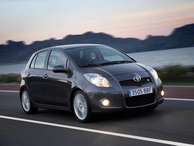 Toyota отзывает более 12 тысяч малолитражек в России