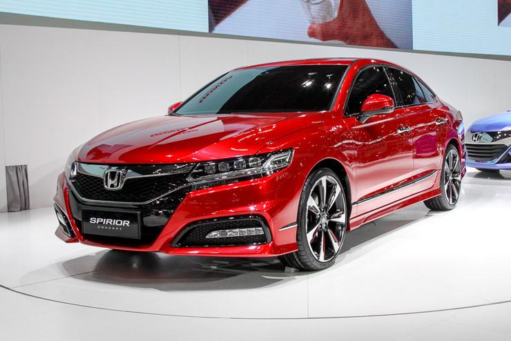 Honda в Пекине: новый хэтчбек, китайский Accord