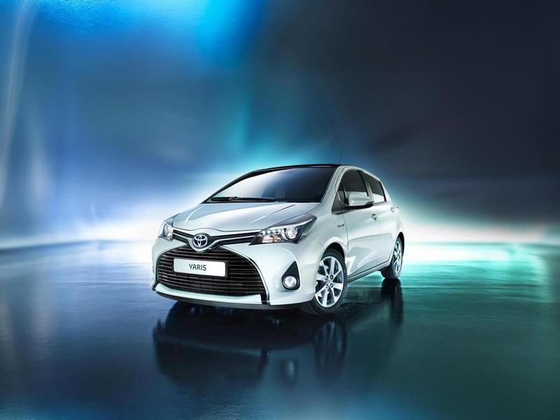 Toyota рассекретила обновленный Yaris
