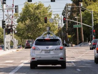 Автопилот от Google научится разбираться в городском трафике