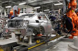 Канада требует от Magna прекратить сотрудничество с «Автотором»