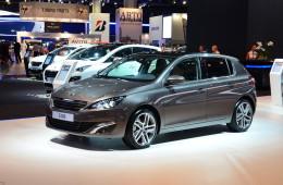 В России стартовали продажи нового Peugeot 308