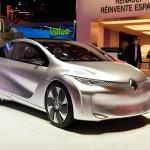 Представленный в Париже концепт-кар Renault тратит 1 л топлива на 100 км