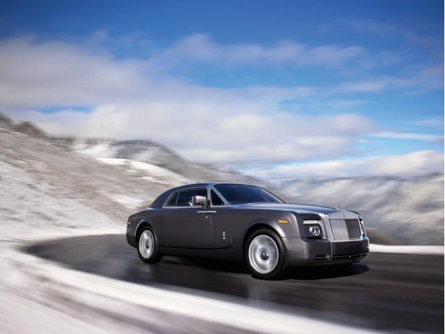 Автомобили Rolls-Royce бьют рекорды продаж в России