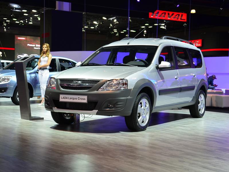 Производство Lada Largus Cross задерживается на два месяца