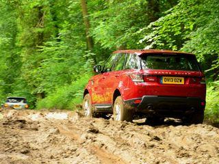 Range Rover получит экстремальное исполнение для бездорожья