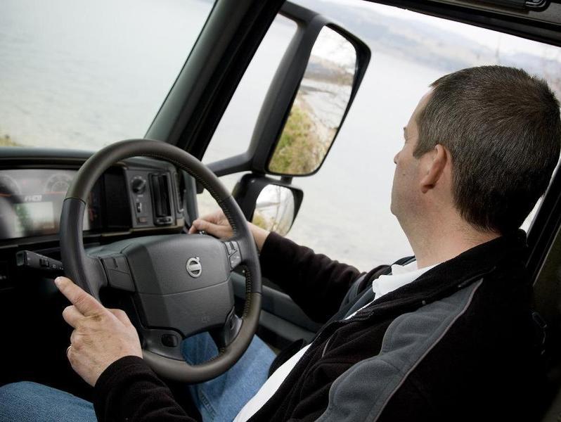 Ввоз праворулек запретят, но это коснется только автобусов