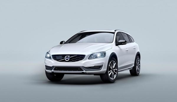 Volvo V60 — теперь и «внедорожная» версия