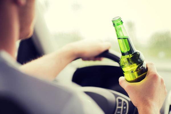 С 2015 года любителям выпить за рулём будет грозить колония