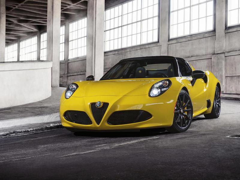 В Детройте представлена Alfa Romeo 4C Spider