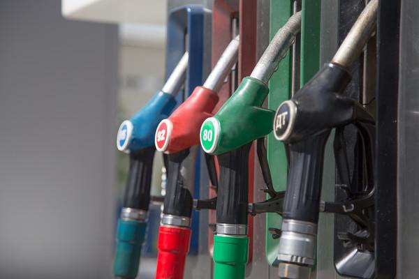 Медведев рассказал, почему дорожает бензин