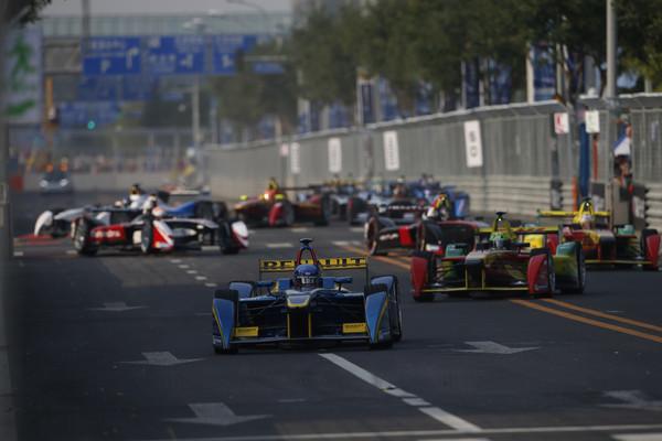 Формула E: электромобили промчатся в центре Москвы
