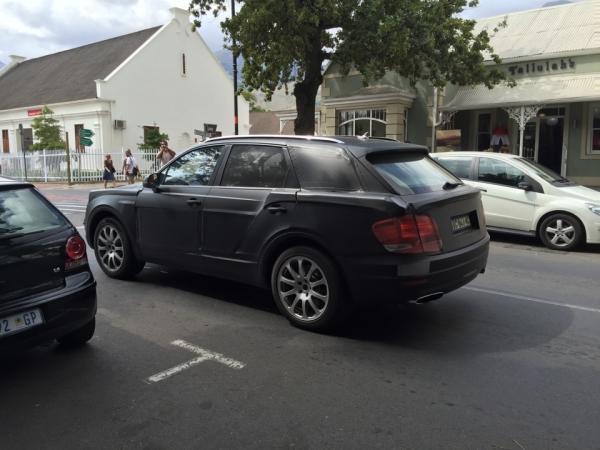 Первый кроссовер Bentley — он существует