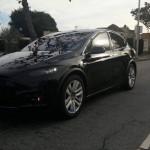 Названы сроки выхода серийного кроссовера Tesla