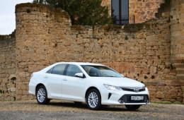 Toyota отстаивает лидерство на рынке
