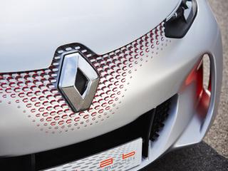 Renault «пришпорит» популярный в России бюджетный хэтчбек