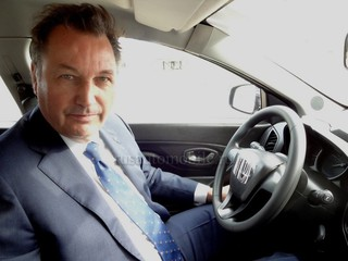 Президент «АвтоВАЗа» засветил интерьер нового кроссовера