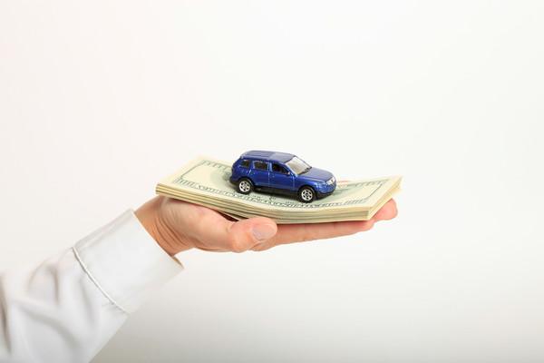 Каждый третий россиянин собирается купить автомобиль