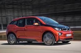 Новому BMW будет достаточно двух стаканов бензина