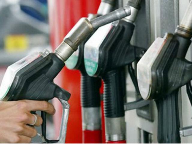 Некачественный бензин в Крыму: нефтяникам грозят уголовные дела