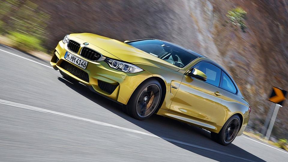 Трековое купе BMW M4 станет легче на сто килограммов