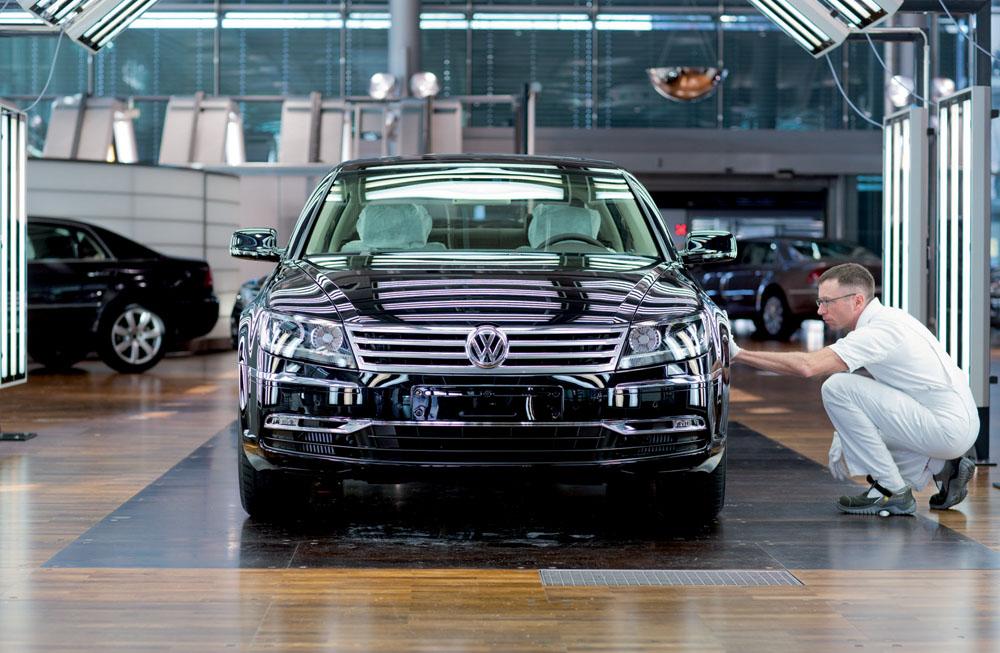 Volkswagen обновил свой самый роскошный седан