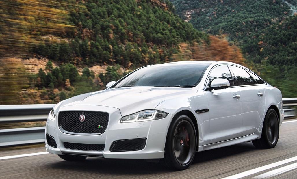 В обновленном седане Jaguar оказалось меньше мест и больше динамиков
