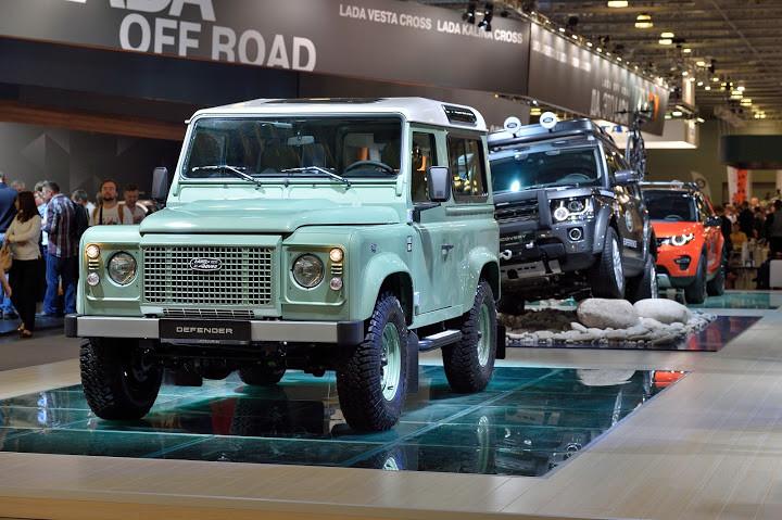 Land Rover привез в Россию прощальную версию «Дефендера»