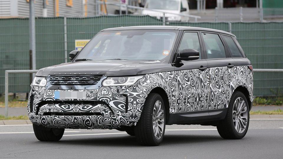 Обновленный Range Rover Sport впервые заметили на испытаниях