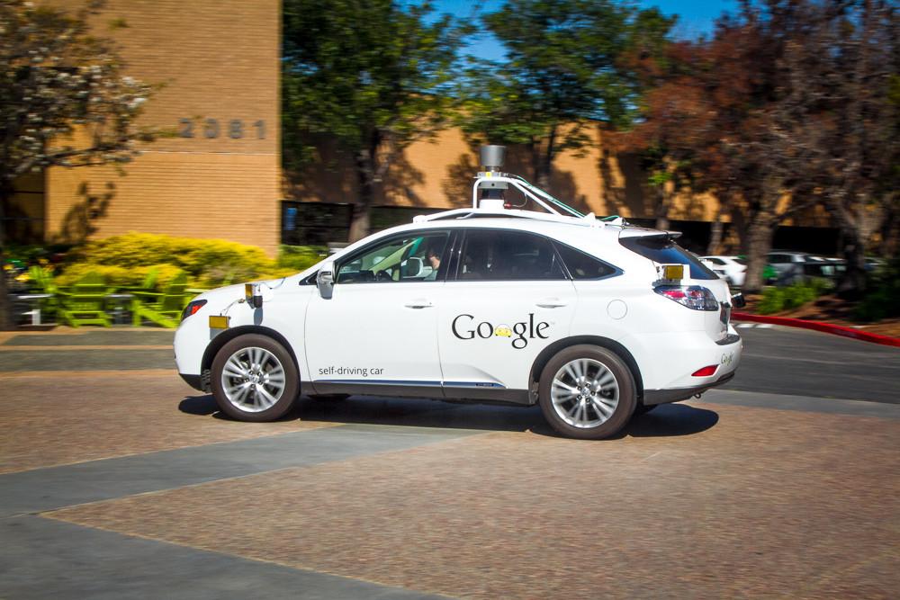 Беспилотные автомобили можно обхитрить обычной лазерной указкой