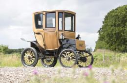 110-летний электромобиль ушел с молотка