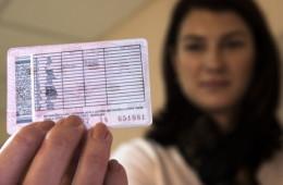 Водительские удостоверения в России начали аннулировать