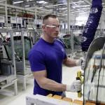 На заводах Volkswagen рабочим выдали «умные» очки