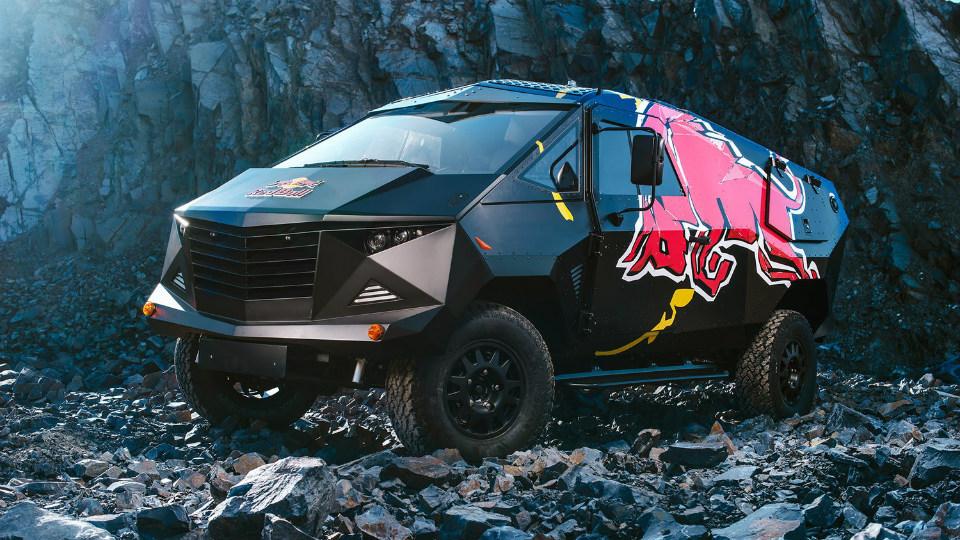 Land Rover Defender превратили в истребитель