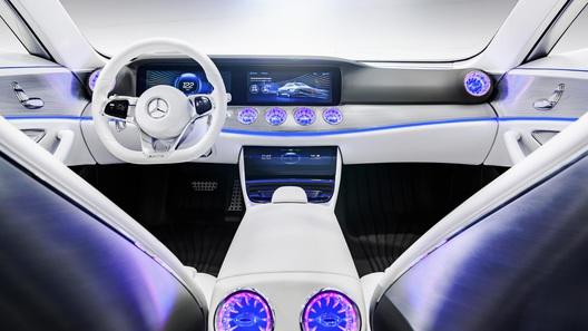 Модельный ряд Mercedes пополнится электрическим кроссовером
