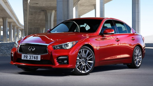 Infiniti превратила седан Q50 в конкурента BMW M3