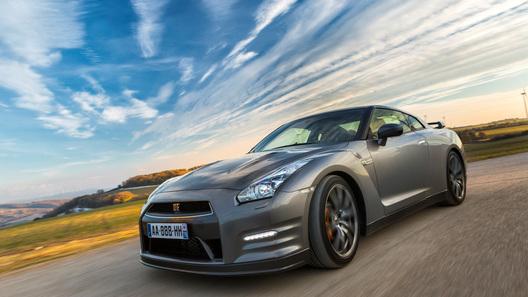 В Nissan отказались от идеи создания нового поколения GT-R