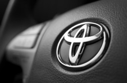 Toyota может снизить цены на оригинальные запчасти