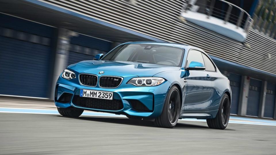 Названа рублевая стоимость купе BMW M2