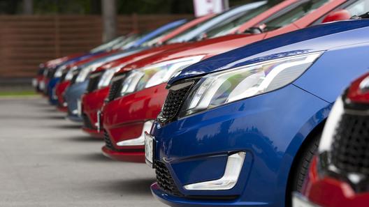 Итоги года: автомобильный рынок упал на 35,7%