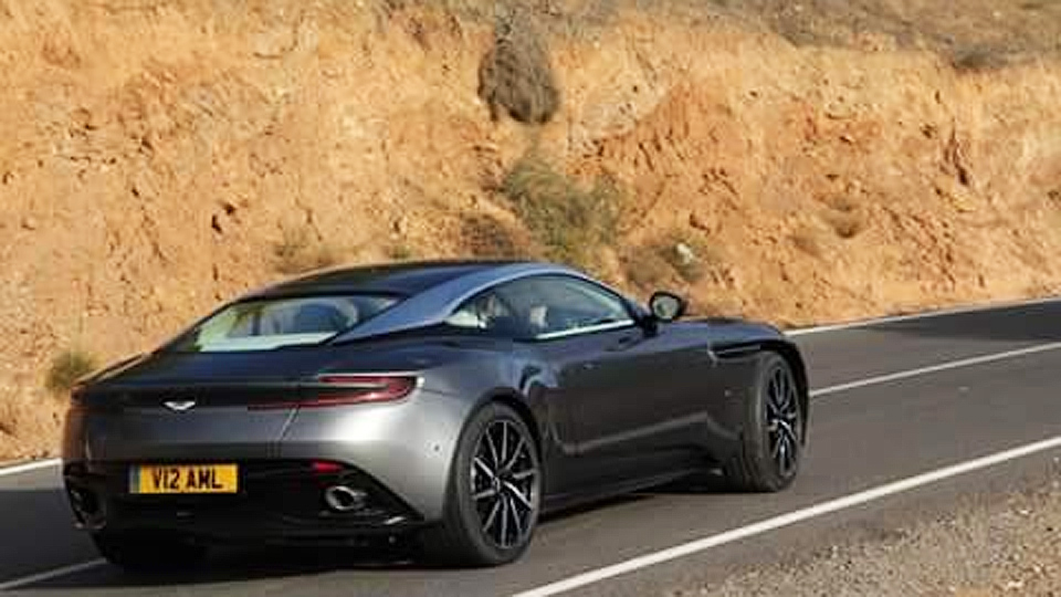 В Сети частично раскрыли первый турбированный Aston Martin