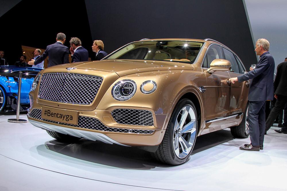 «Внедорожное купе» Bentley: раскрыты новые подробности