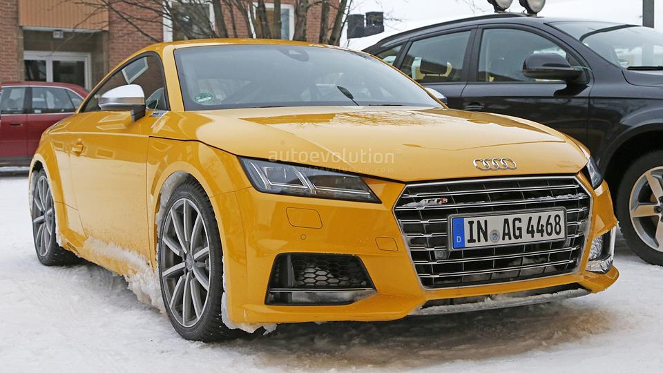 Шпионы сфотографировали прототип Audi TT RS с «механикой»