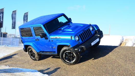 В России отзывают на ремонт Jeep Wrangler и Dodge Viper