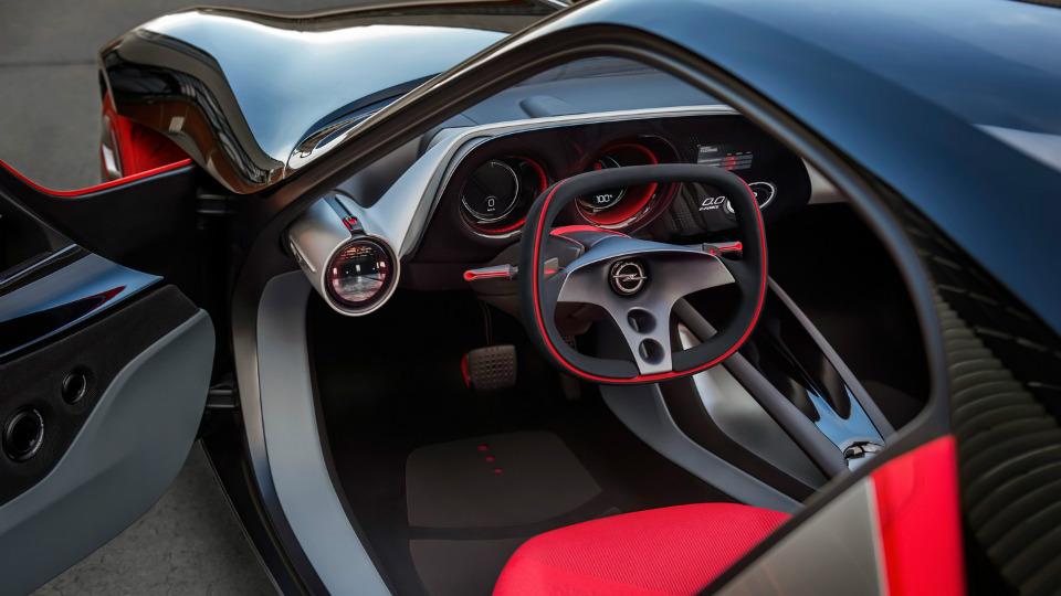 Opel показал интерьер автомобилей будущего