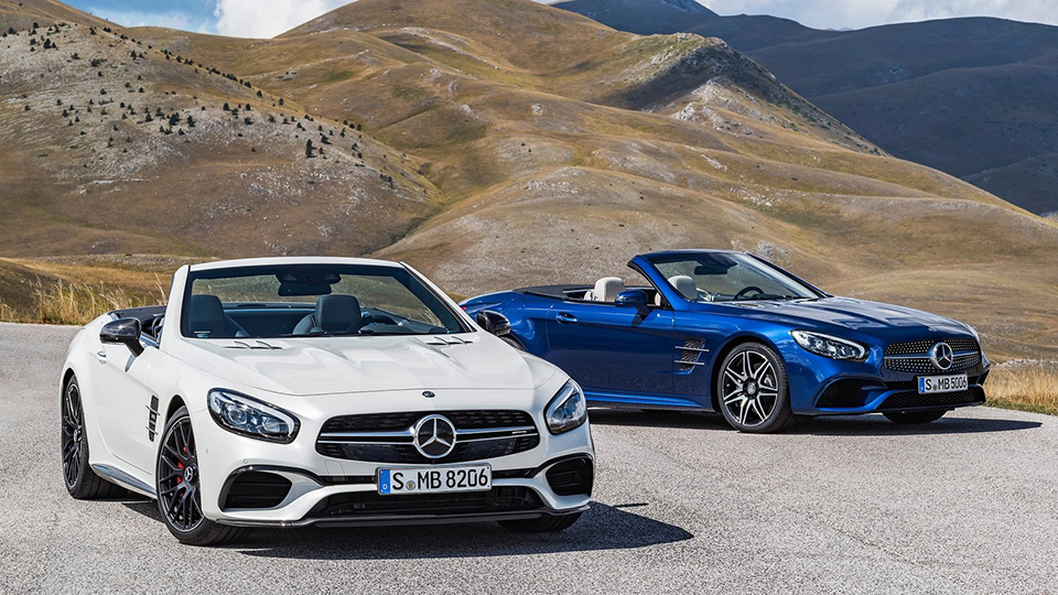 Mercedes-Benz назвал рублевые цены на новые родстеры