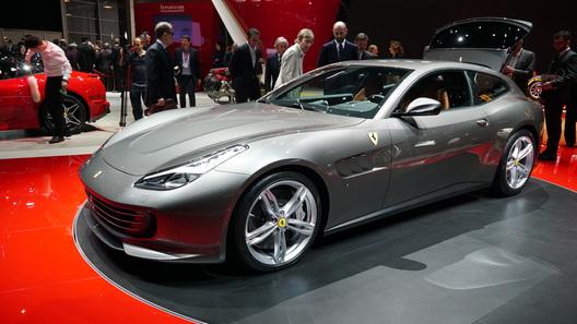 Ferrari попрощалась с суперкаром FF, заменив его новой моделью