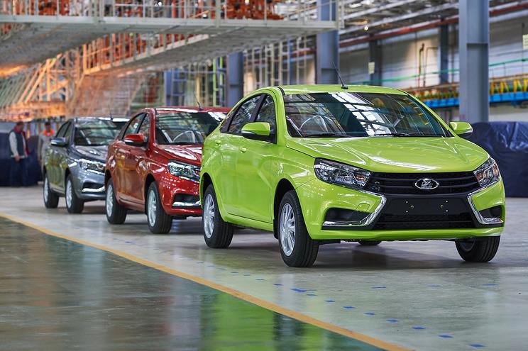 АвтоВАЗ вдвое увеличил производство Lada Vesta